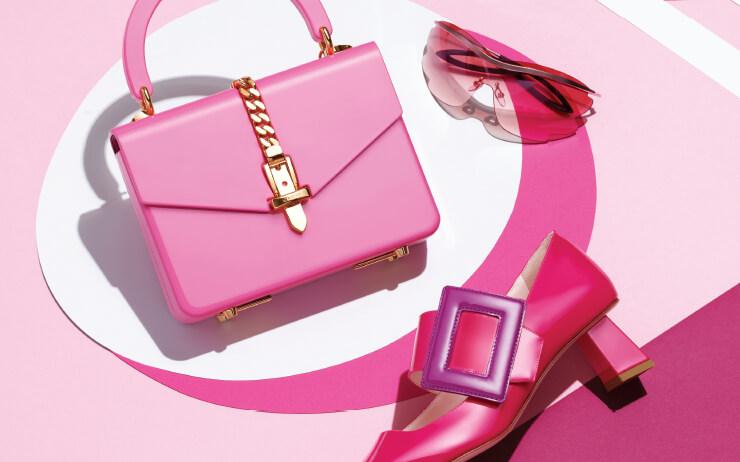 달콤한 컬러와 키치한 디자인으로 세상을 로맨틱하게 물들일 핑크 매직.