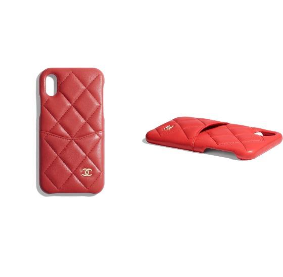 램스킨, 골드 메탈 iPhone X 클래식 케이스는 74만7천원, Chanel.