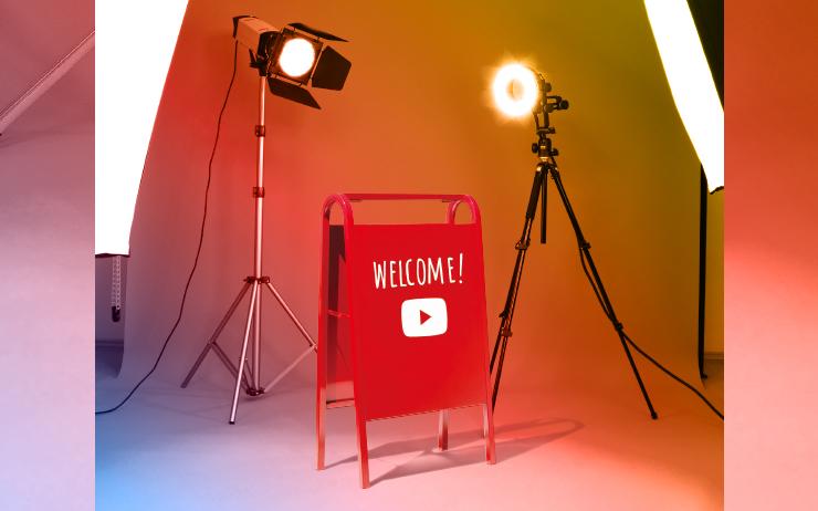 인기 유튜버 채널과 맛집 사이의 공통점이 있다. 라면 하나를 끓여도 남다른 맛을 내는 식당처럼, 같은 주제의 콘텐츠를 만들어도 자신만의 색깔이 묻어나는 크리에이터가 있다. 콘텐츠 제작자들이 고유의 매력을 찾을 수 있게 성장 전략을 고안하고, 유튜브 플랫폼에서 '핫한' 혹은 '잘나가는'이라는 형용사를 어떻게 해석할지 고민하는 유튜브 사람들을 만났다.