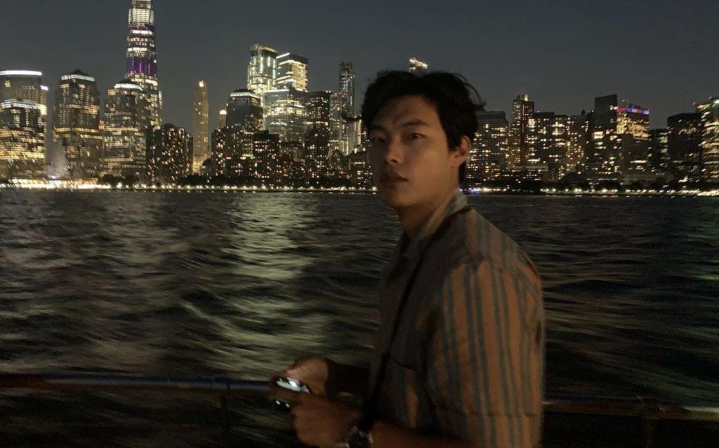 남다른 사복 센스로 여자들의 마음을 설레게 하는 배우 류준열. 남친룩의 정석을 보여주는 그의 매력에 빠질 시간!