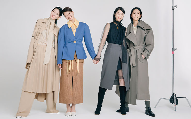 <코스모폴리탄 코리아>가 창간 19주년을 맞았다. 2000년 8월, 창간된 <코스모폴리탄> 한국판은 19년의 세월 동안 한국 여성들에게 꿈과 영감을 불어넣어왔다. 그리고 여기 코스모가 사랑하고 주목하는, 한국 패션의 현재와 미래를 상징하는 19개의 패션 디자이너 브랜드가 있다. 그리고 모델들은 모두 2000년에 태어난, 코스모와 같은 나이다. 이 눈부신 청춘들과 한국 패션의 내일을 이끌어나갈 한국 디자이너들의 만남을 코스모가 사진으로 담았다.