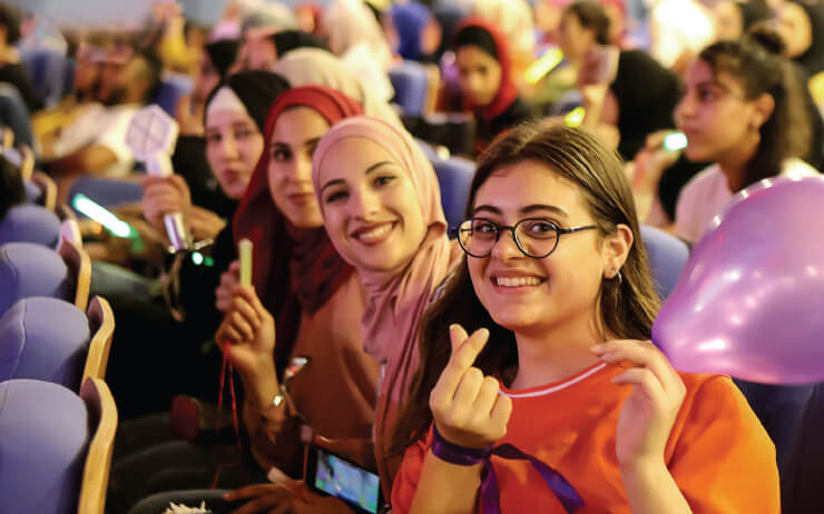 팔레스타인 라말라에서 열린 글로벌 K-팝 경연대회 예선전에 다녀왔다. '일상적이지 않은' 도시에서의 K-팝, 국가발 문화 프로모션, 팬덤 문화는 어디까지 울려 퍼질 수 있을까.