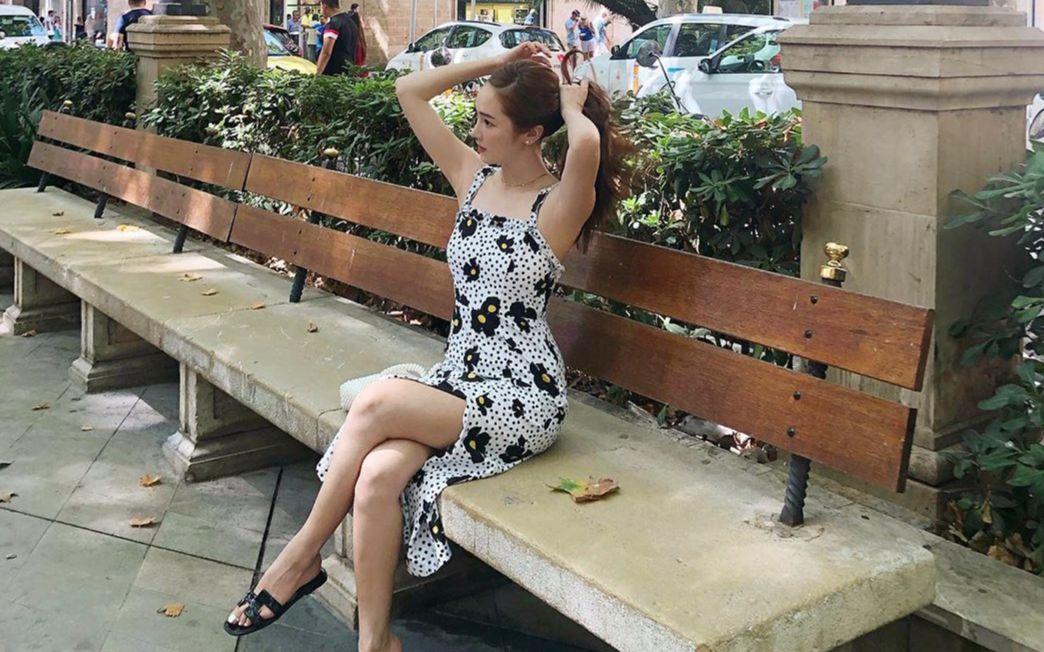이렇게 예쁜데 무슨 말이 더 필요할까요? 원피스 중의 원피스, 플로럴 드레스를 입은 스타들을 소개합니다.