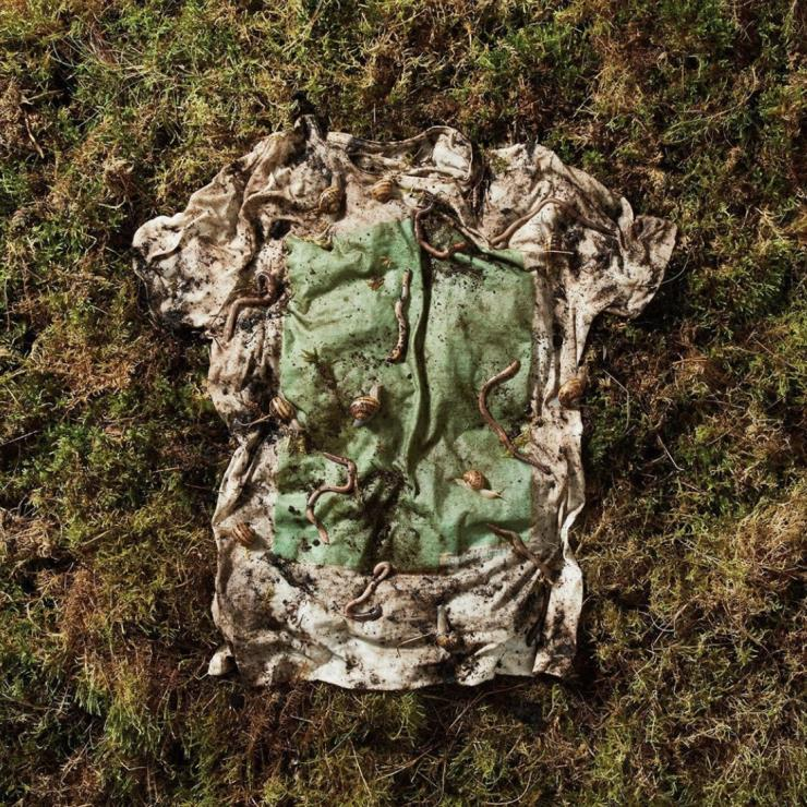 땅에 묻으면 12주 후 퇴비가 되는 친환경 티셔츠라니 믿어지는가?