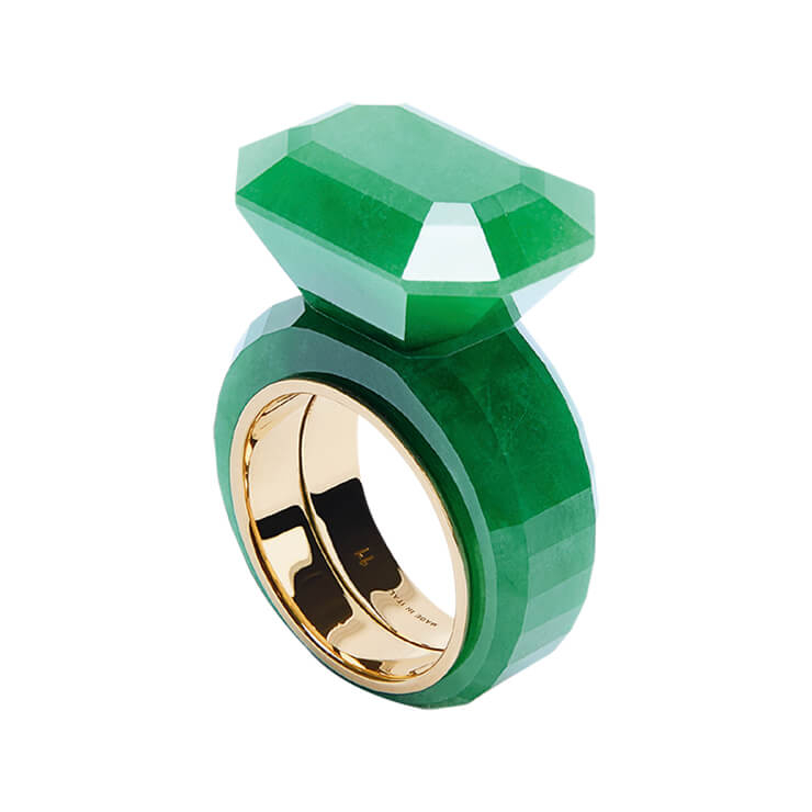원석 장식의 링은 가격 미정, Bottega Veneta.