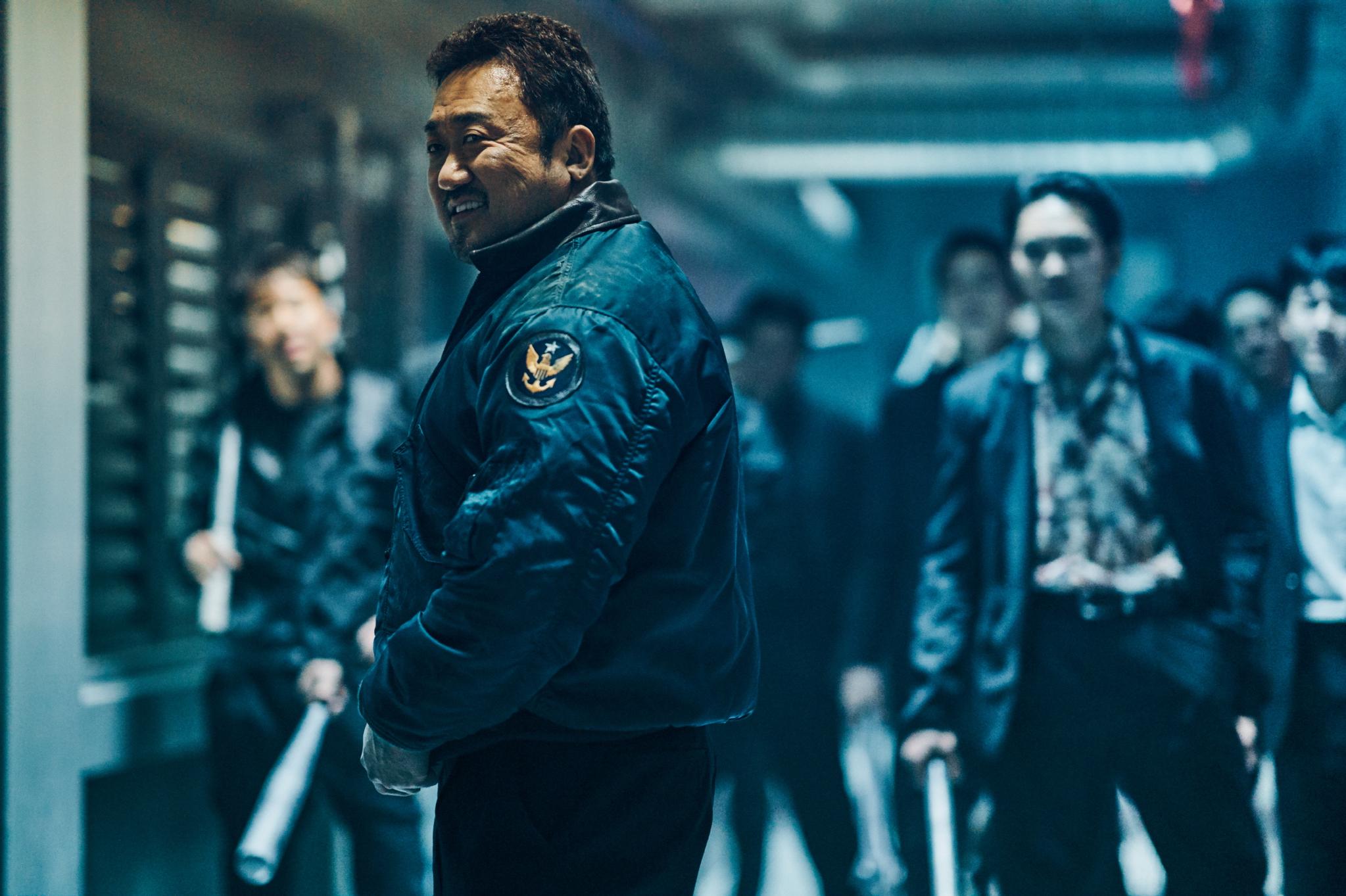 올해, '어벤져스: 엔드게임' 등 외화의 강세가 두드러지고 한국 영화에 맥을 못 추는 가운데, 추석을 맞이해 세 작품이 등장했습니다.
