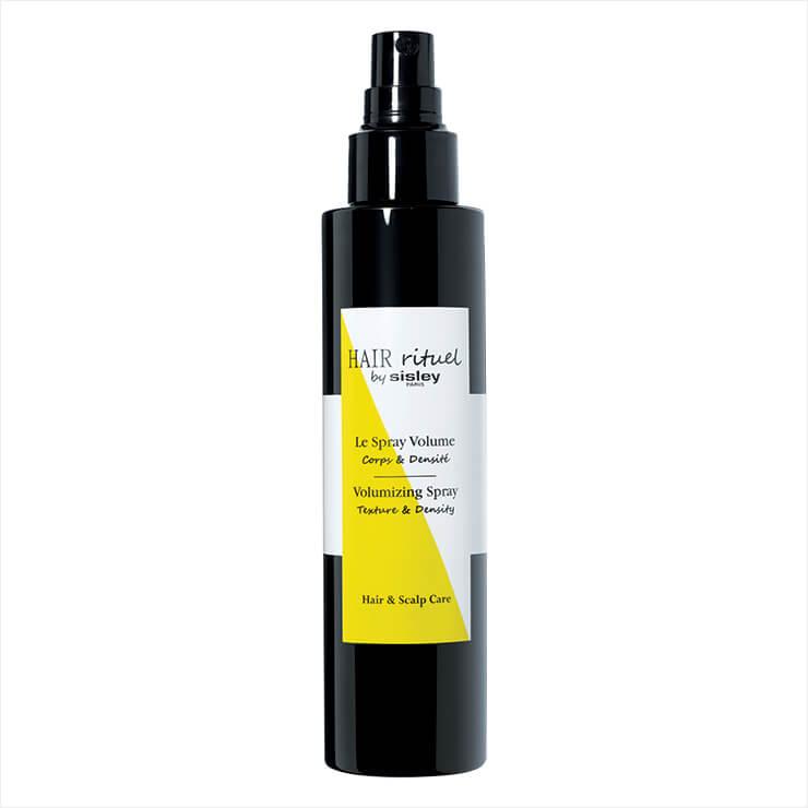볼륨 강화 성분 중 하나인 비타민 B5와 쌀겨 단백질이 펌핑 즉시 모발 뿌리부터 리프팅시켜 볼륨을 오래 지속해 준다. 볼류마이징 스프레이는 9만9천원, Hair Rituel by Sisley.