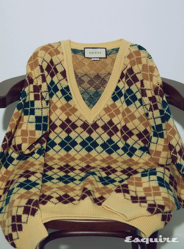 브이넥 아가일 체크 스웨터 176만원 구찌.