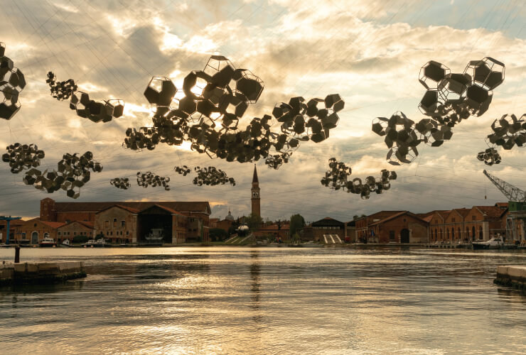 'Aero(s)cene: When breath becomes air, when atmospheres become the movement for a post fossil fuel era against carbon-capitalist clouds', 2019 Installation view of 'On the Disappearance of Clouds', 2019 at the 58th International Art Exhibition - La Biennale di Venezia. Courtesy the artist; Aerocene Foundation; Andersen's, Copenhagen; Ruth Benzacar, Buenos Aires; Tanya Bonakdar Gallery, New York / Los Angeles; Pinksummer Contemporary Art, Genoa; Esther Schipper, Berlin. © Photography by Studio Toma´s Saraceno, 2019