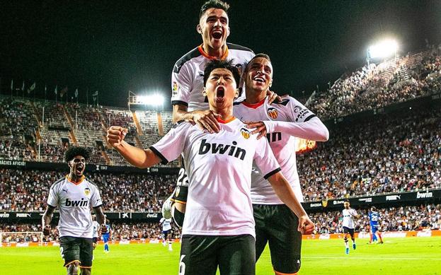 '한국 축구의 미래' 이강인이 라리가 첫 선발 출전 경기에서 데뷔골까지 기록했다.
