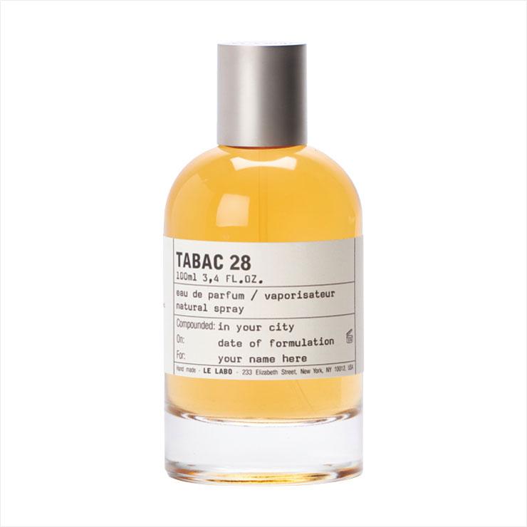타바코 앱솔루트가 풍부한 우드의 그윽한 향을 전달한다. 마이애미:타박28, 100ml 가격 미정, Le Labo.