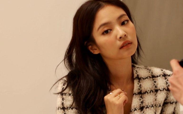 <엘르> 10월호 커버 스타, 제니의 촬영 현장 비하인드 씬!
