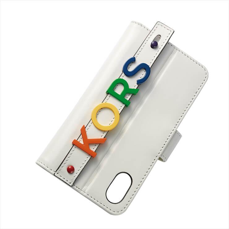 레터링 스마트폰 케이스는 17만원, Michael Michael Kors.