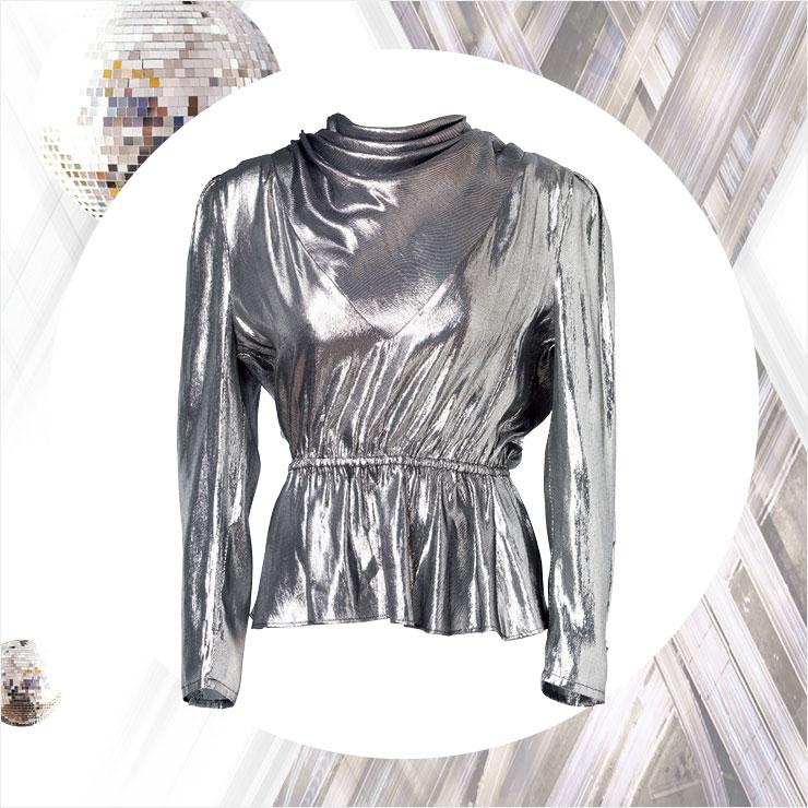 메탈릭한 라메 블라우스는 2백20만원, Gucci.