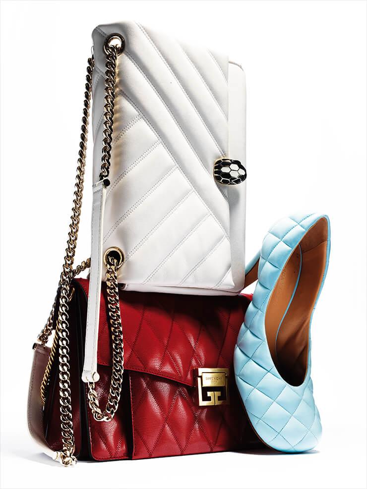 사선의 퀼팅이 미니멀한 인상을 주는 숄더백은 가격 미정, Bvlgari. 다이아몬드 패턴의 GV3백은 3백53만원, Givenchy. 셔벗 컬러의 퀼팅 펌프스는 1백20만5천원, Bottega Veneta.
