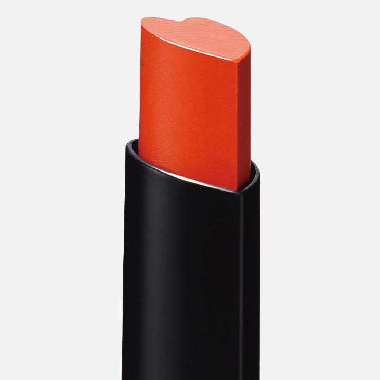 앙증맞은 하트 모양 디자인으로 입술 모양에 따라 쉽게 그릴 수 있다.▶홀리카홀리카 하트크러쉬 립스틱 피팅멜팅 솔트 카라멜 9천5백원──미끌거림 없이 촉촉하게 마무리되는 크리미한 립스틱.