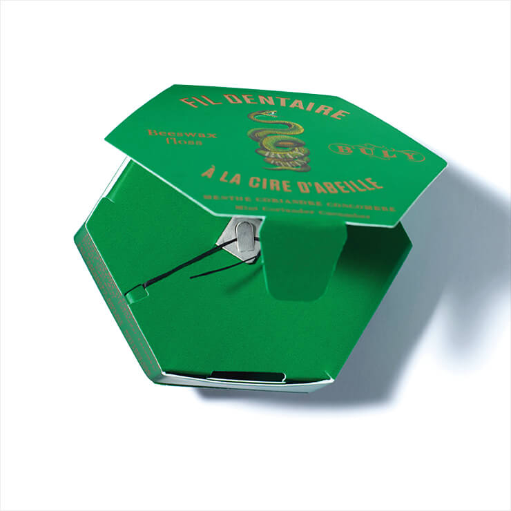천연 밀랍으로 얇게 코팅된 유기농 코튼 실, 친환경 종이 패키지가 소장욕구를 부르는 덴탈 플로스, 2만2천원, Buly 1803.