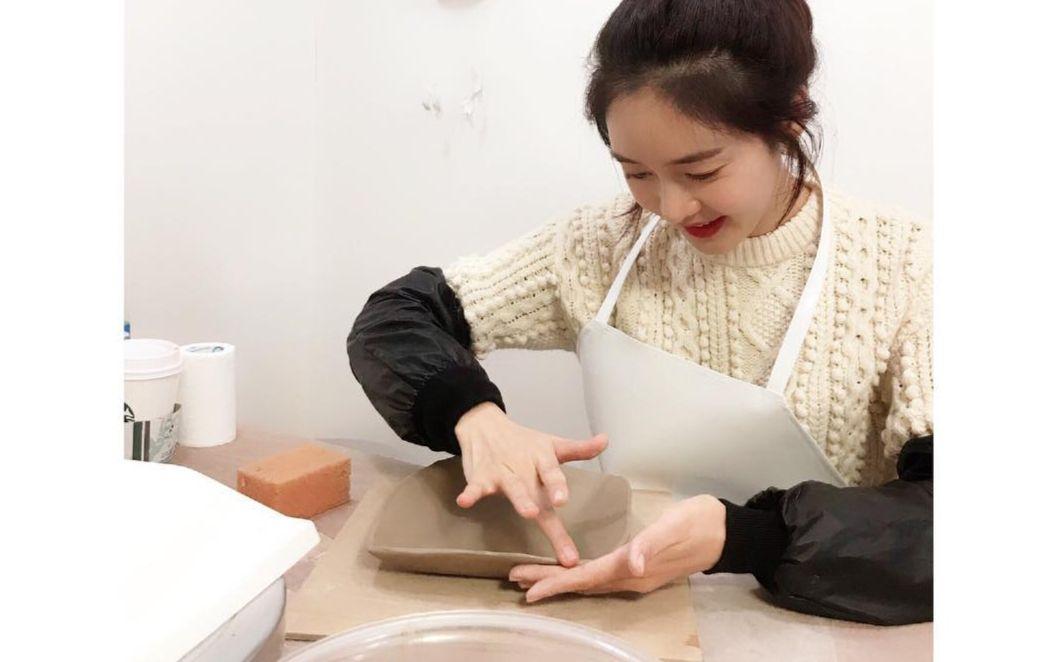 손으로 빚어내는 도예의 아름다움에 빠진 성유리. 그녀의 즐거운 취미생활 들여다보기!