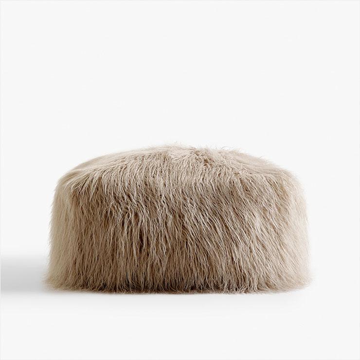 F/W 인테리어에 따뜻한 포인트가 될 스툴은 가격 미정, Zara Home.