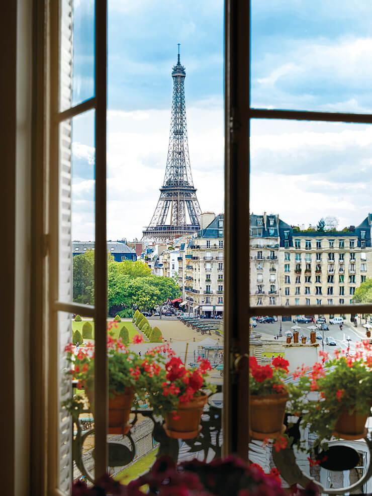 아파트에서 바라본 에펠탑 풍경.