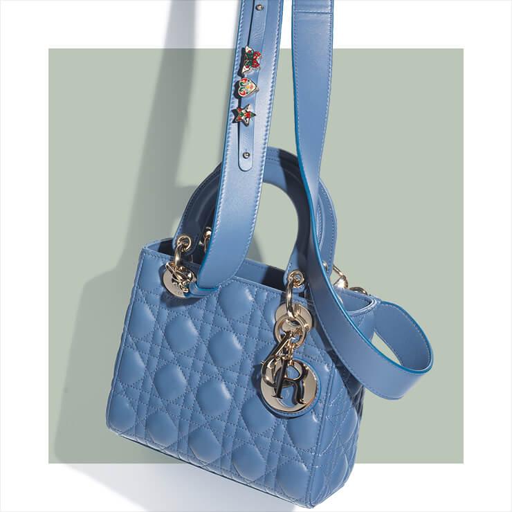 엠보싱 디테일 백은 5백만원대, Dior.