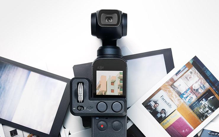 늘 찍고 자르고 공유해야 하는 사람들, <엘르> 디지털 팀의 품에 새로운 테크 제품을 안겼다. 그 결과는?
