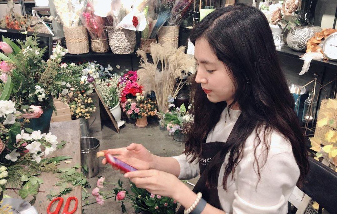 꽃과 사랑에 빠진 한채아. 그녀의 꽃처럼 아름다운 취미 생활을 소개합니다.