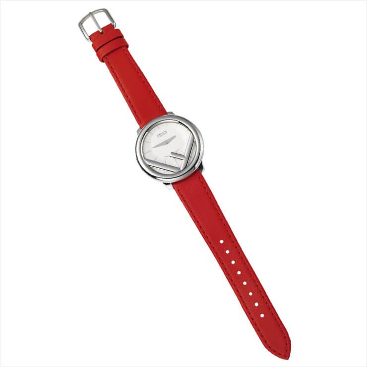 심심한 손목에 화사함을 더하는 워치는 89만원, Fendi Timepiece by Gallery O'Clock.
