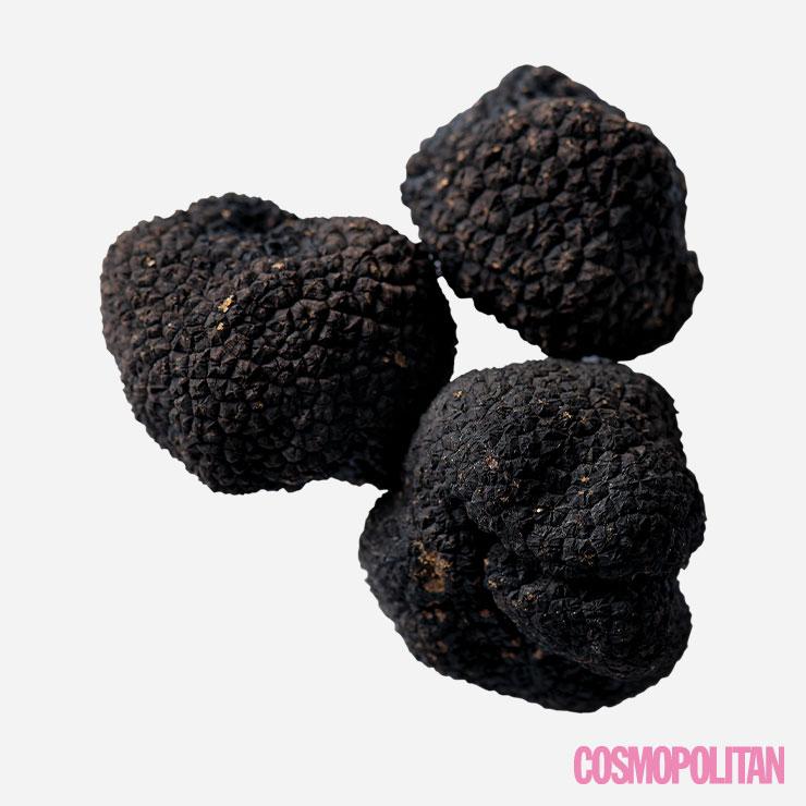 겨울에 수확하는 송로버섯을 '윈터 트러플'이라고 부르는데 기존의 송로버섯보다 향이 진하고 풍미가 깊다. 식이섬유가 풍부한 저칼로리 식품으로 비만 예방과 소화 장애에 좋다.