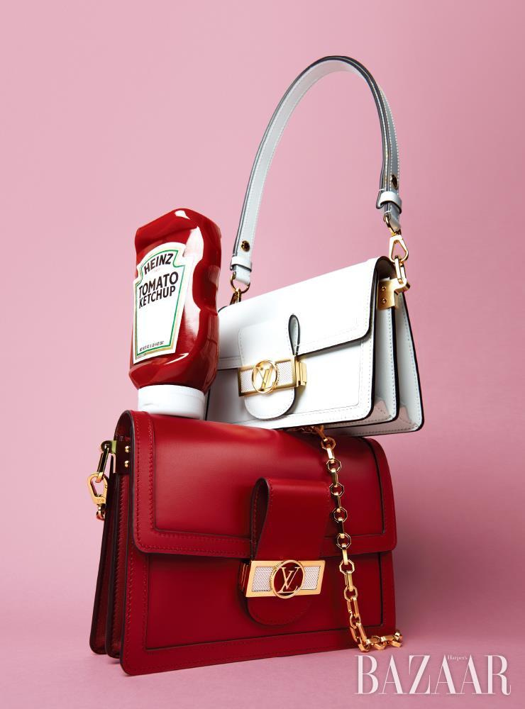 새로운 컬러로 재탄생한 '도핀 백'은 모두 Louis Vuitton.