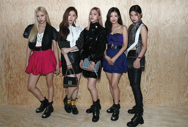 Itzy in Louis Vuitton.