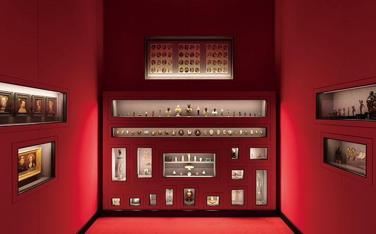 여성 건축가의 작품부터 고대 유물까지 패션의 원천되는 다양한 작품을 만날 수 있다.