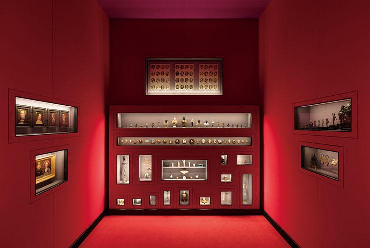 538개의 작품과 빈 미술사박물관에서 고른 12개의 컬렉션이 포함된 고대 이집트 컬렉션, 악기 컬렉션, 황실 갑옷, 동전 컬렉션 등을 만날 수 있다.