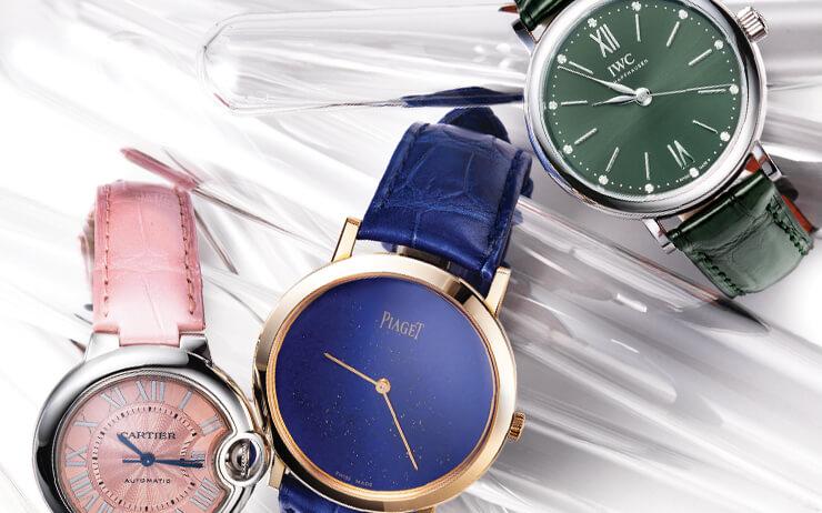 코럴 핑크, 로열 블루, 올리브 그린.... 다채로운 컬러를 입은 새로운 시계 컬렉션.