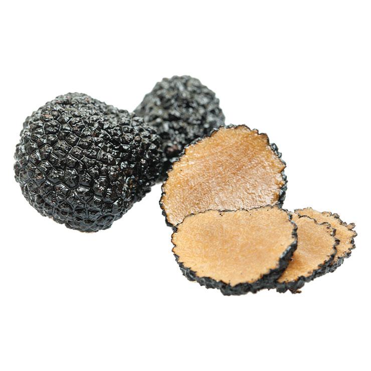 트러플 오일▶'송로버섯'으로 알려진 트러플을 우려 그 향을 입힌 오일이다. 조리가 거의 끝나갈 때쯤 조금만 첨가해도 풍미를 확 높여준다.
