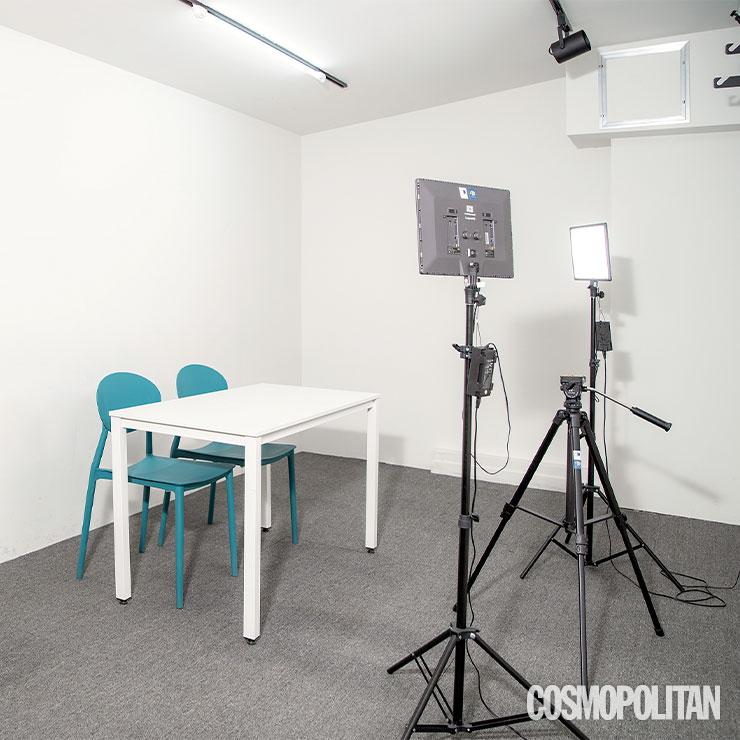 예약제로 사용할 수 있는 스튜디오.