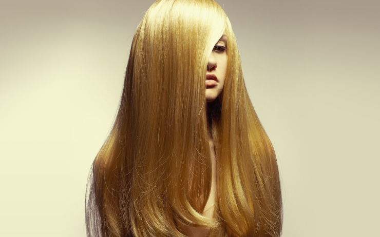 피부 나이에 집착하는 동안 두피와 모발도 나이 먹는다는 걸 잊어선 안 된다. 머리카락도 안티에이징 케어가 필요하다.