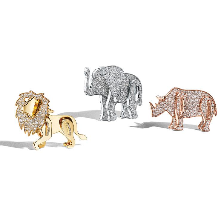 Tiffany & Co. ▶ 2017년 론칭한 티파니의 'Tiffany Save the Wild'는 멸종 위기에 처한 야생 코끼리·코뿔소·사자 보호를 지원하기 위한 컬렉션이다. 수익금 전체가 'Wildlife Conservation Network'에 기부된다.