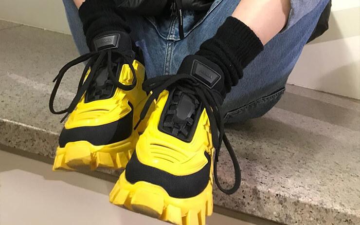 못생긴 운동화의 반란은 아직 끝나지 않았습니다. 어글리 스니커즈의 인기가 식을 줄 모르거든요. 지금 당장 신발장에 추가해도 후회하지 않을 어글리 스니커즈들.