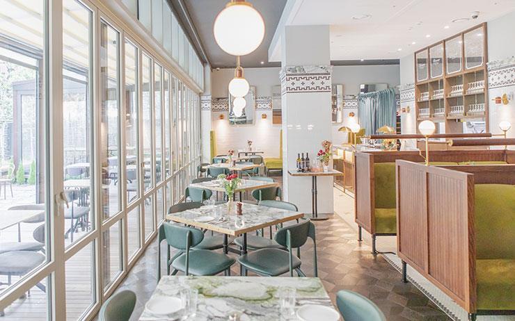 디자이너 자크뮈스가 낸 레스토랑 '울상(Oursin)'과 호텔 크레센도 서울의 레스토랑 '비앙브뉴'.