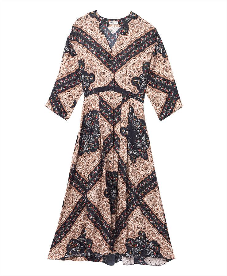 에스닉한 분위기의 페이즐리 드레스는 77만9천원, Sandro.