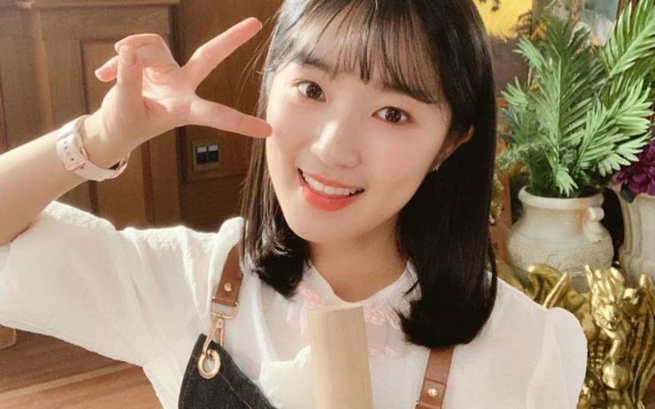 귀엽고 똑 부러진 캐릭터로 빠져들 수밖에 없는 단오 패션부터 사랑스러운 김혜윤의 데일리룩까지