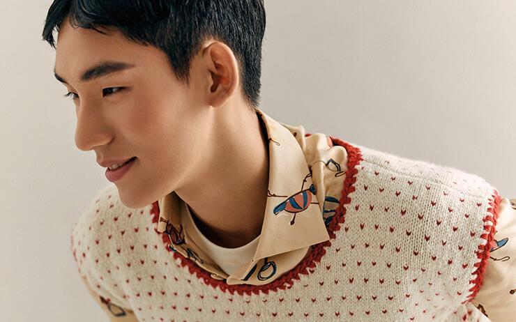 15세 때 처음 모델을 시작해, 올해 1월 해외 무대 진출. 모델스닷컴 아시아 남자 모델 랭킹 1위에 올랐다.