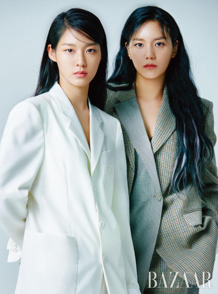 설현이 입은 수트는 Lacoste Fashionshow Collection. 혜정이 입은 수트는 Ports1961.