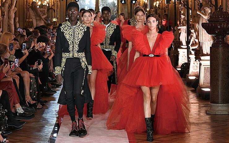 H&M과 지암바티스타 발리를 로마에서 만났다. 매년 크리스마스 선물 같은 H&M 컬래버레이션 프로젝트. 이번 시즌 주인공이 된 지암바티스타 발리를 만나기 위해 로마로 향했다.
