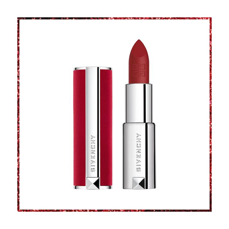 지방시 뷰티의 아이코닉한 디자인에 부드러운 벨벳 케이스를 입은 립스틱. 입술에 얇고 매끄럽게 발리지만 발색은 대담하다. 르 루즈 딥 벨벳 N37. 4만 8천 원, GIVENCHY BEAUTY.