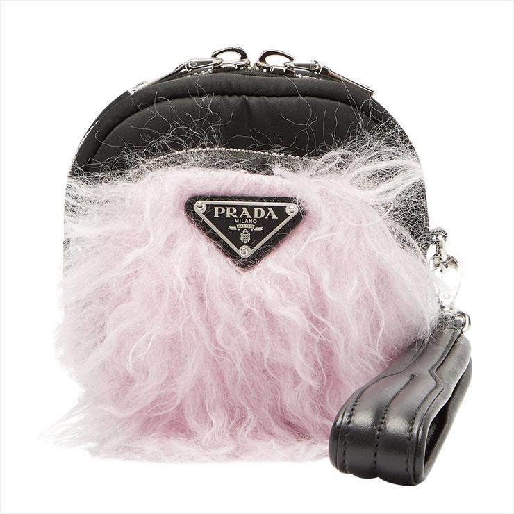 핑크 퍼 장식의 미니 백은 59만원대, Prada by Matchesfasion.com.