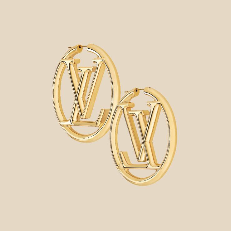 링 귀고리는 79만원 Louis Vuitton.
