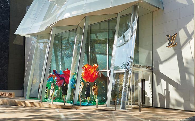 도전적인 공상가, 진보를 꾀하는 물고기자리, 세계에서 가장 유명한 건축가의 국내 첫 작품 '루이 비통 메종 서울'이 청담동에 들어섰다.