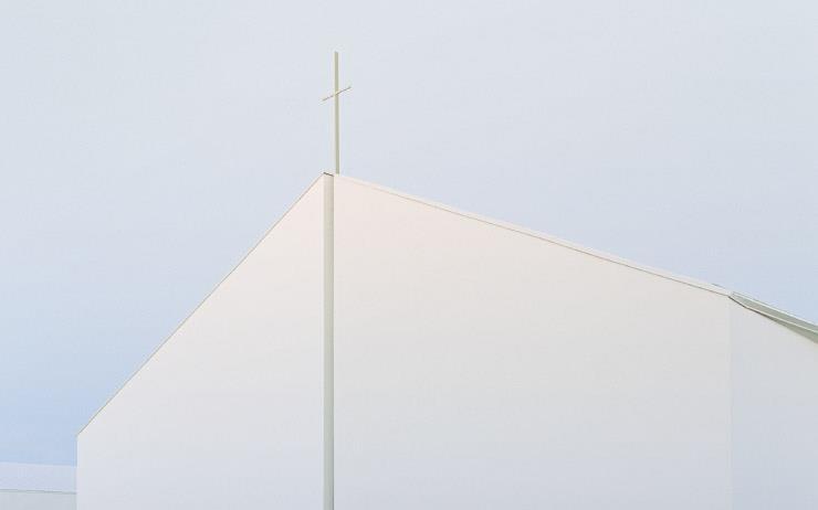 교회와 건물 사이의 차이는 어디에서 오는가? 종교 건축의 지향점은 무엇이며, 오늘날에도 그것은 과거와 동일한가? 건축가 이정훈이 말하는 종교 건축의 역사, 그리고 오늘.